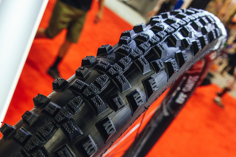 2.6-inch Schwalbe Tires and Updated Casings