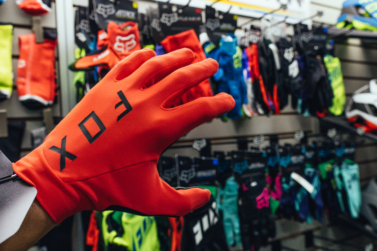 Updated Fox Racing Glove Line - INTERBIKE - 2017 Mountain Bike Apparel and Protective Gear - Mountain Biking Pictures - Vital MTB
