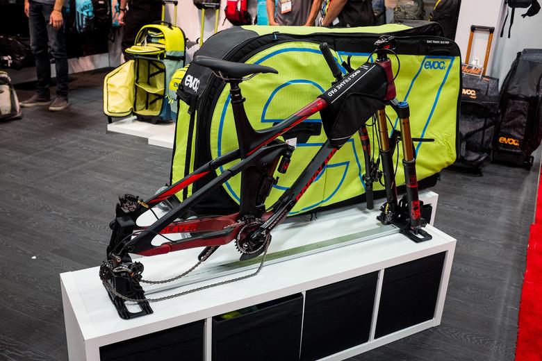 Evoc Alloy Bike Bag Rail System Interbike 2017 Mountain Arel And Protective Gear Biking