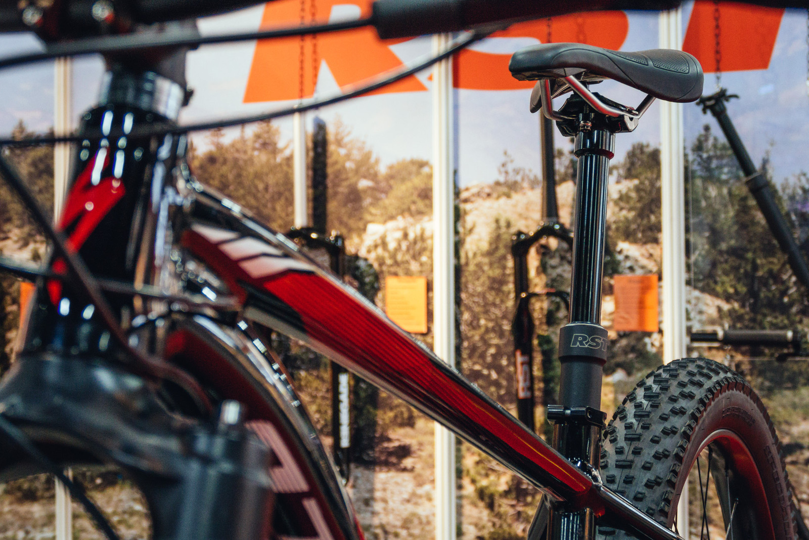 RST Elev8 Dropper Post - INTERBIKE - 2017 Mountain Bike Components - Mountain Biking Pictures - Vital MTB