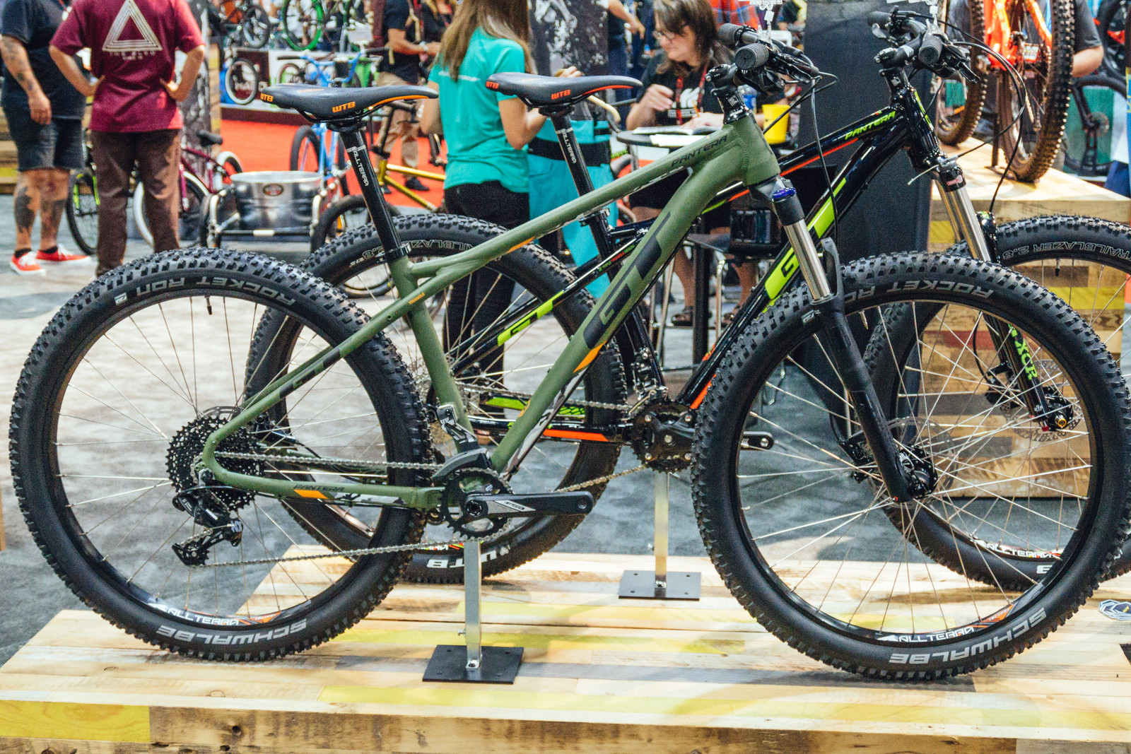GT Pantera 27.5 Plus Hardtail - INTERBIKE - 2017 Enduro and Trail Bikes - Mountain Biking Pictures - Vital MTB