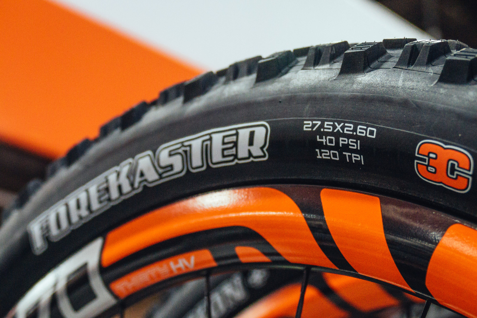 2.6-inch Maxxis Forecaster Tire - INTERBIKE - 2017 Mountain Bike Components - Mountain Biking Pictures - Vital MTB