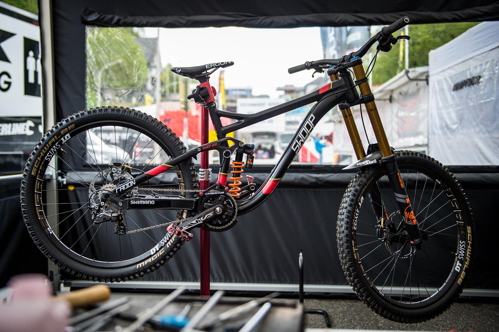 Manon Carpenter's Radon Swoop 200 - 2017 Lourdes World Cup Pit Bits - Mountain Biking Pictures - Vital MTB