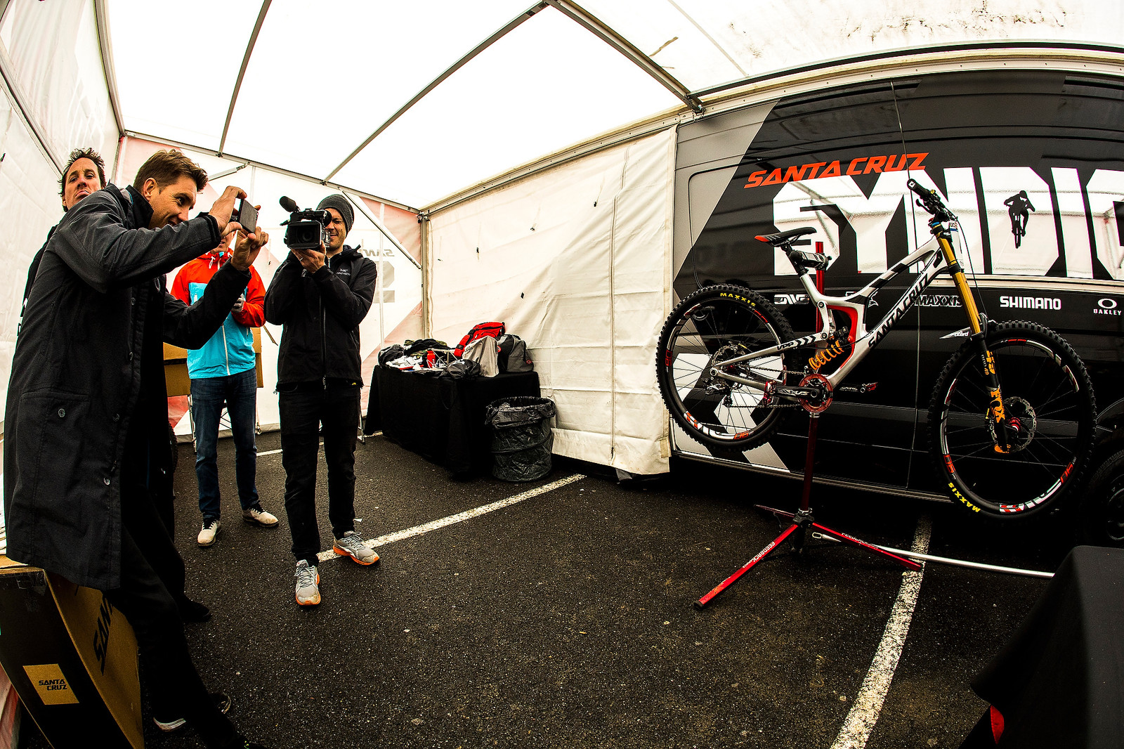 Bike Lust Swoon in Syndicate Pits - 2017 Lourdes World Cup Pit Bits - Mountain Biking Pictures - Vital MTB