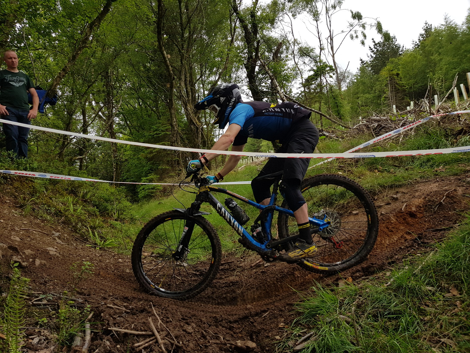 Joe Barnes' Canyon Spectral G-ed Out - G-out Project: EWS Ireland 2017 - Mountain Biking Pictures - Vital MTB