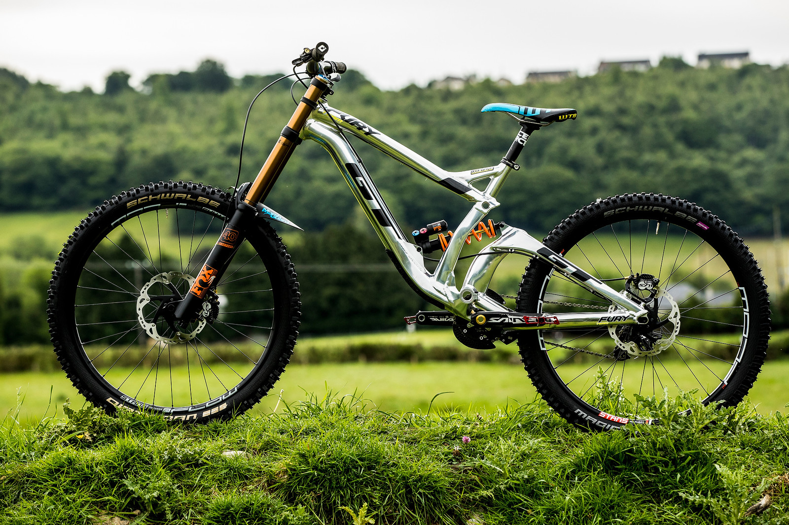 Prototype GT Fury for Wyn Masters - 2017 Fort William World Cup Pit Bits - Mountain Biking Pictures - Vital MTB