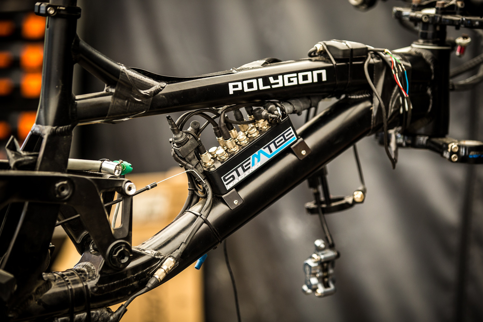 Telemetry on Fayolle's Polygon DH9 - 2017 Leogang World Cup Pit Bits - Mountain Biking Pictures - Vital MTB