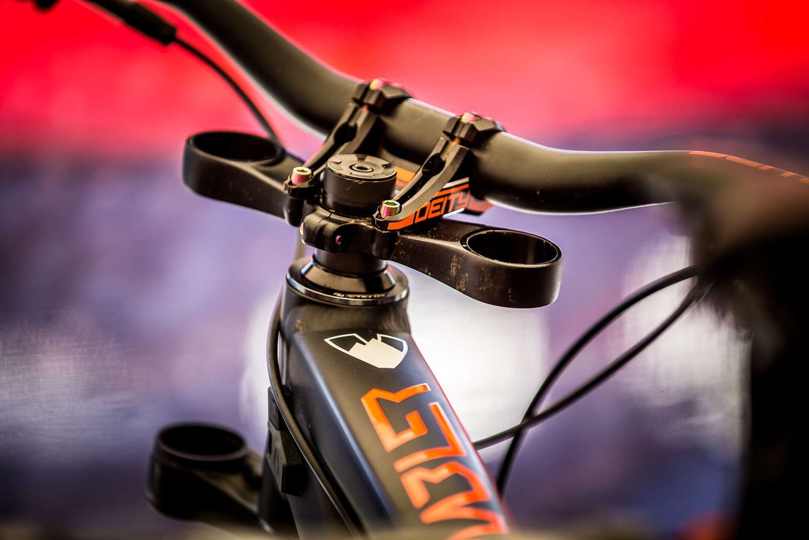 The Fork May Say Something - 2017 Leogang World Cup Pit Bits - Mountain Biking Pictures - Vital MTB