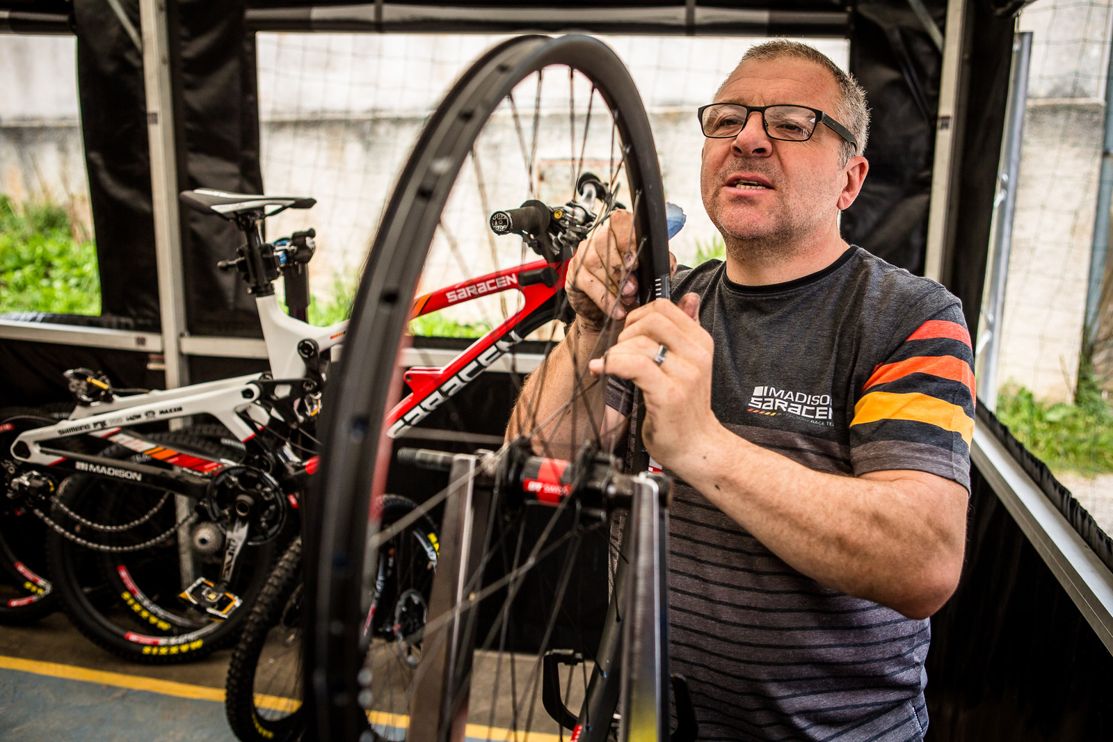 One of Many Wheels with Dave Garland - 2018 Losinj World Cup Pit Bits - Mountain Biking Pictures - Vital MTB