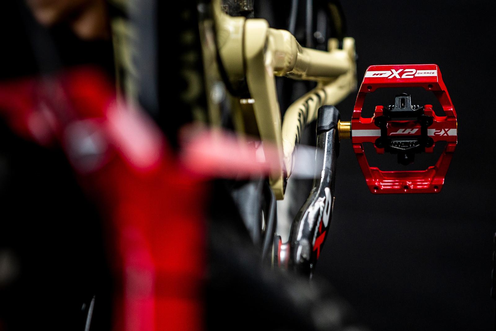 Arty Pedal Shot - Mont-Sainte-Anne 2018 PIT BITS - Mountain Biking Pictures - Vital MTB
