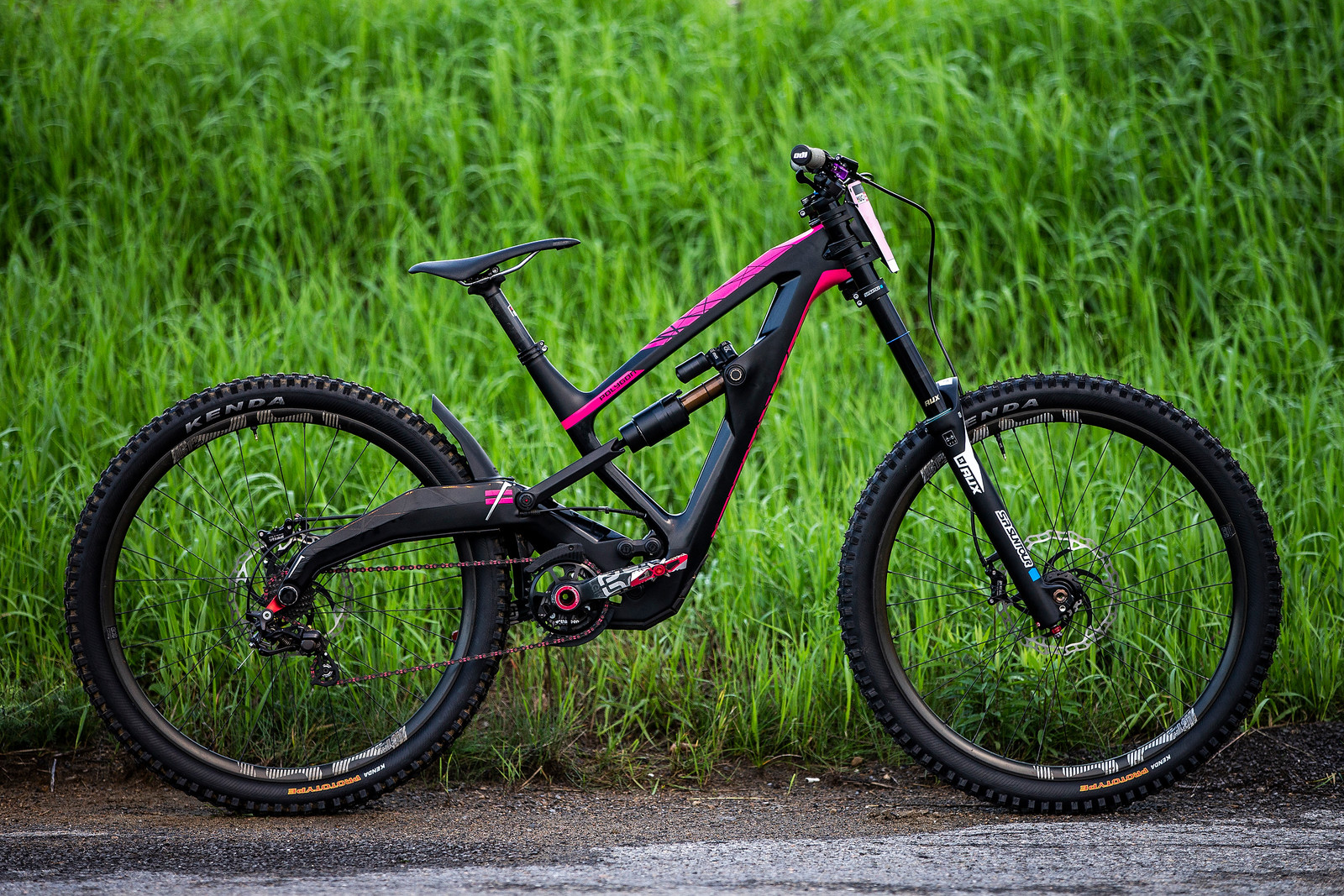 Tracey Hannah's Polygon XQUARONE DH at the MSA World Cup - Tracey Hannah's Polygon XQUARONE DH - Mountain Biking Pictures - Vital MTB