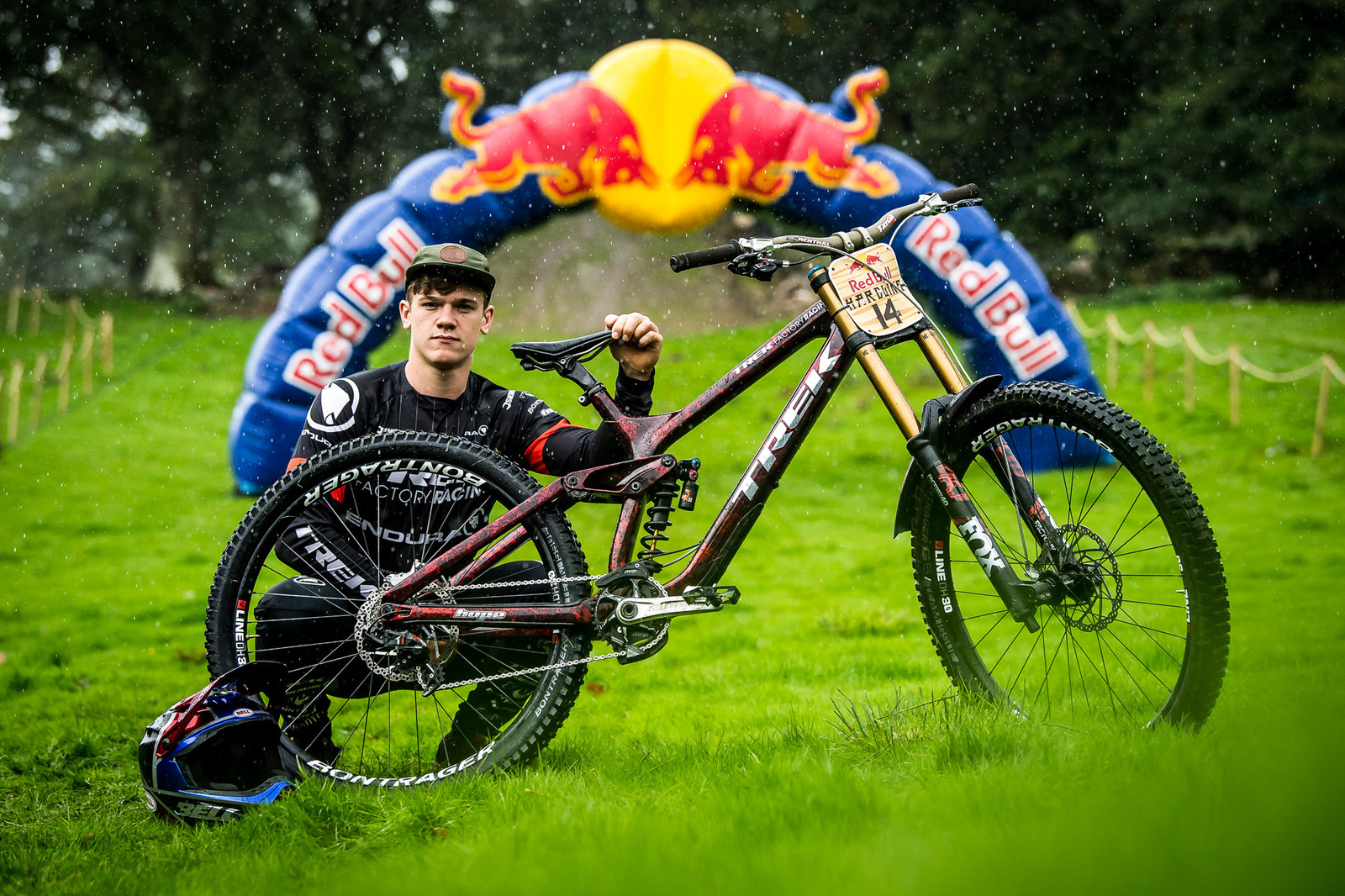 Kade Edwards and His Worlds Trek Session - Red Bull Hardline 2018 Riders and Bikes - Mountain Biking Pictures - Vital MTB