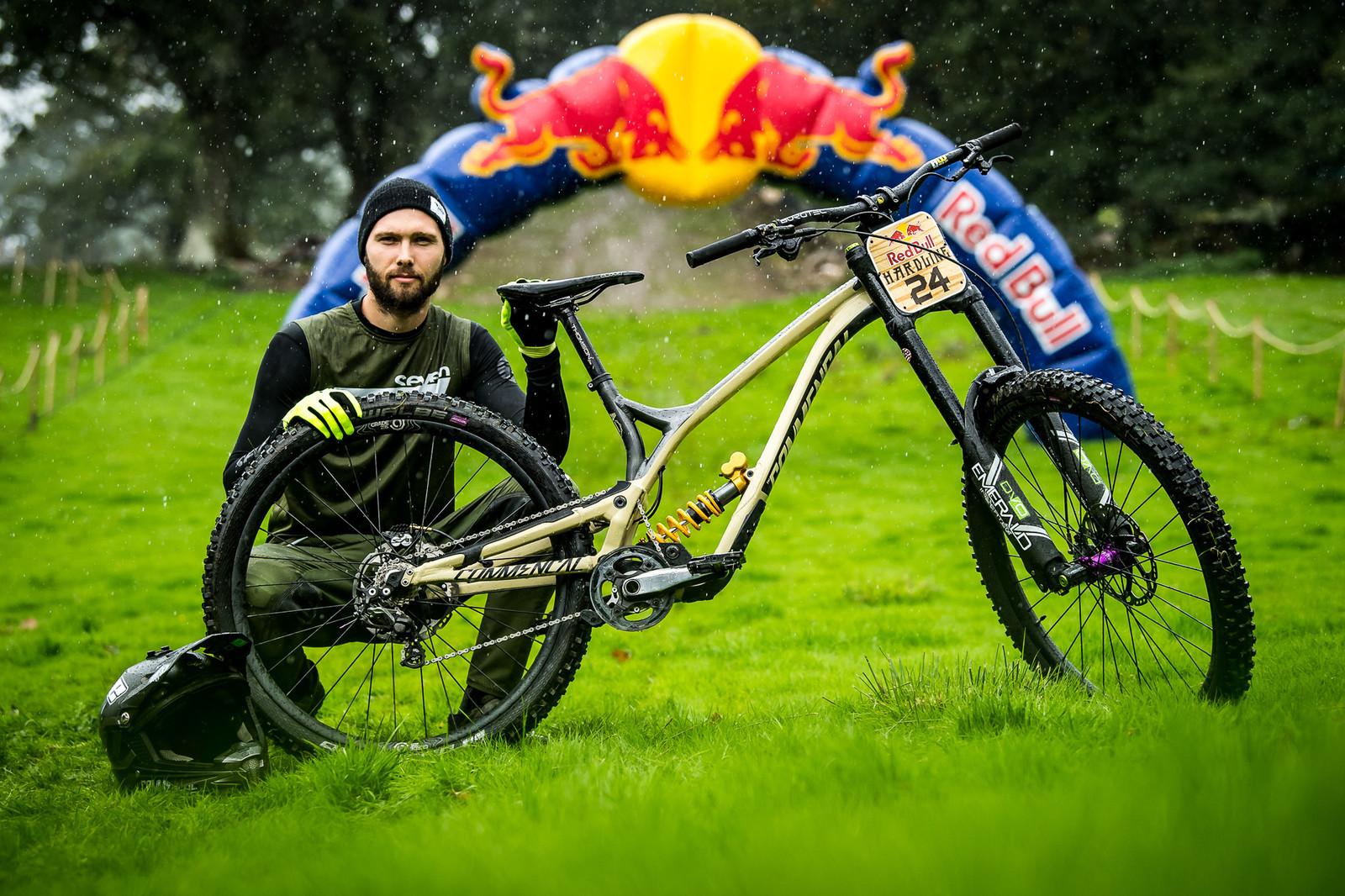 scar Harnstrom and His Commencal Supreme DH - Red Bull Hardline 2018 Riders and Bikes - Mountain Biking Pictures - Vital MTB