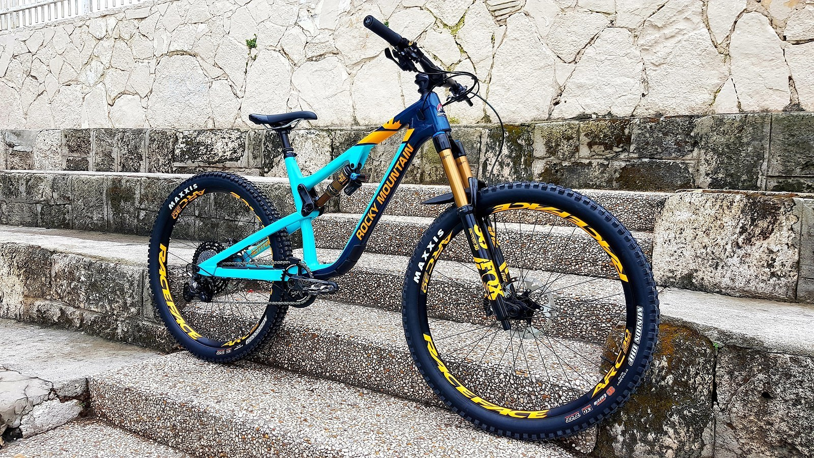 Rocky Mountain Altitude C90 - 2019 Vital Bike of the Day Collection - Mountain Biking Pictures - Vital MTB