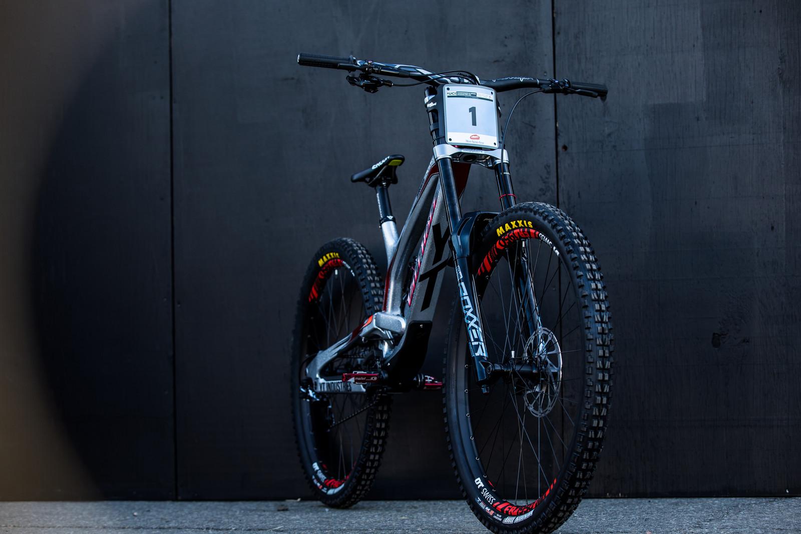 Vali Holl's YT TUES at 2019 Worlds MSA - Vali Holl's YT TUES at 2019 Worlds MSA - Mountain Biking Pictures - Vital MTB