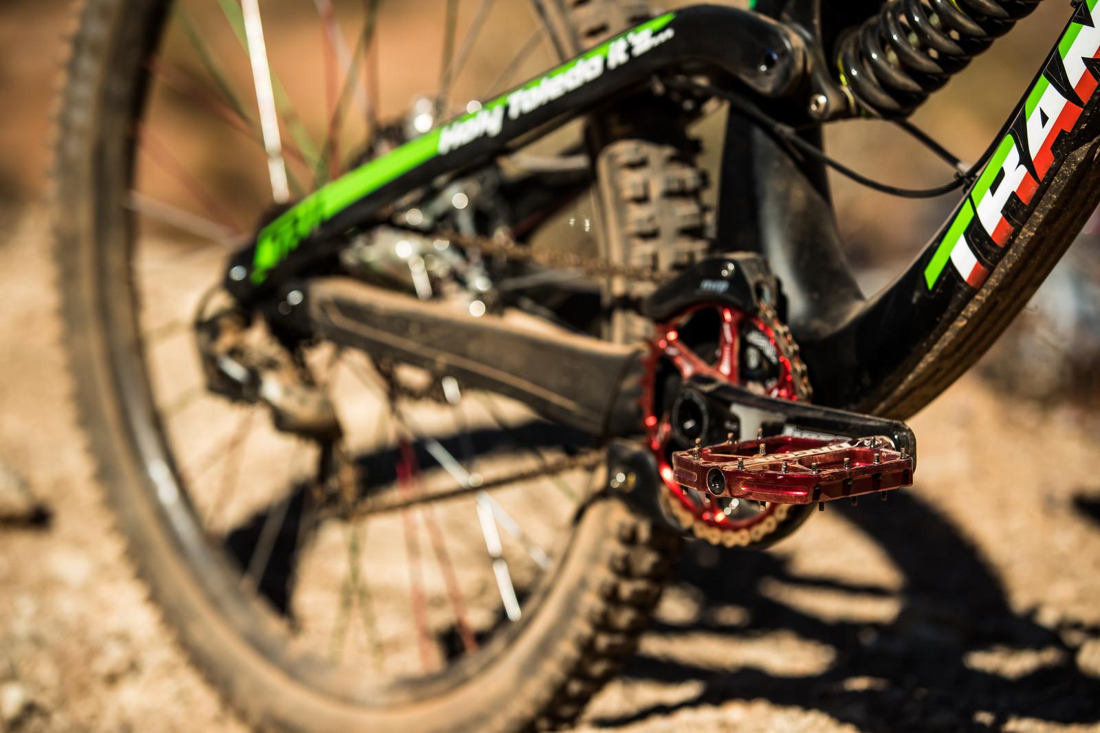 Hope Cranks on Juan Diego Salido's Transition TR11 at Rampage 2019 - RAMPAGE BIKE - Juan Diego Salido's Transition TR11 - Mountain Biking Pictures - Vital MTB