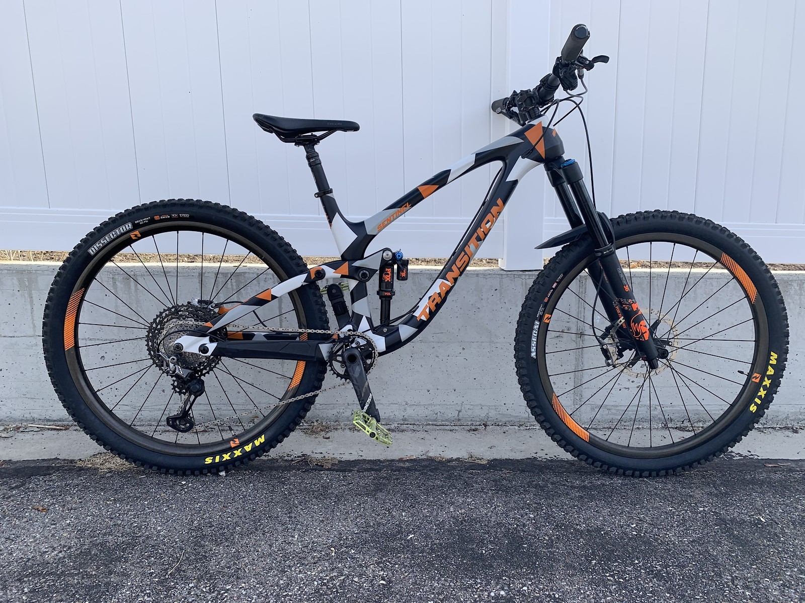 Transition Sentinel Carbon - Vital Bike of the Day April 2020 - Mountain Biking Pictures - Vital MTB