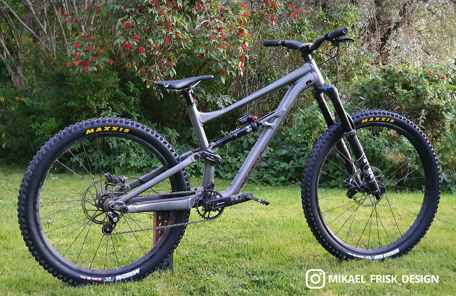 Specialized Status - Vital Bike of the Day September 2020 - Mountain Biking Pictures - Vital MTB