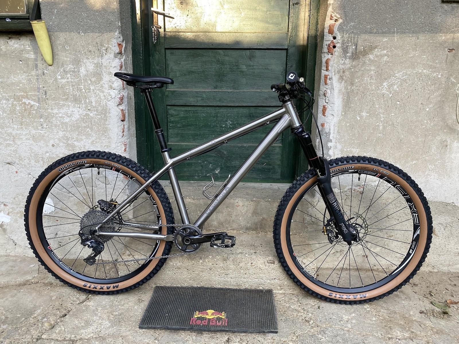 Stanton Slackline Titanium - Vital Bike of the Day October 2021 - Mountain Biking Pictures - Vital MTB