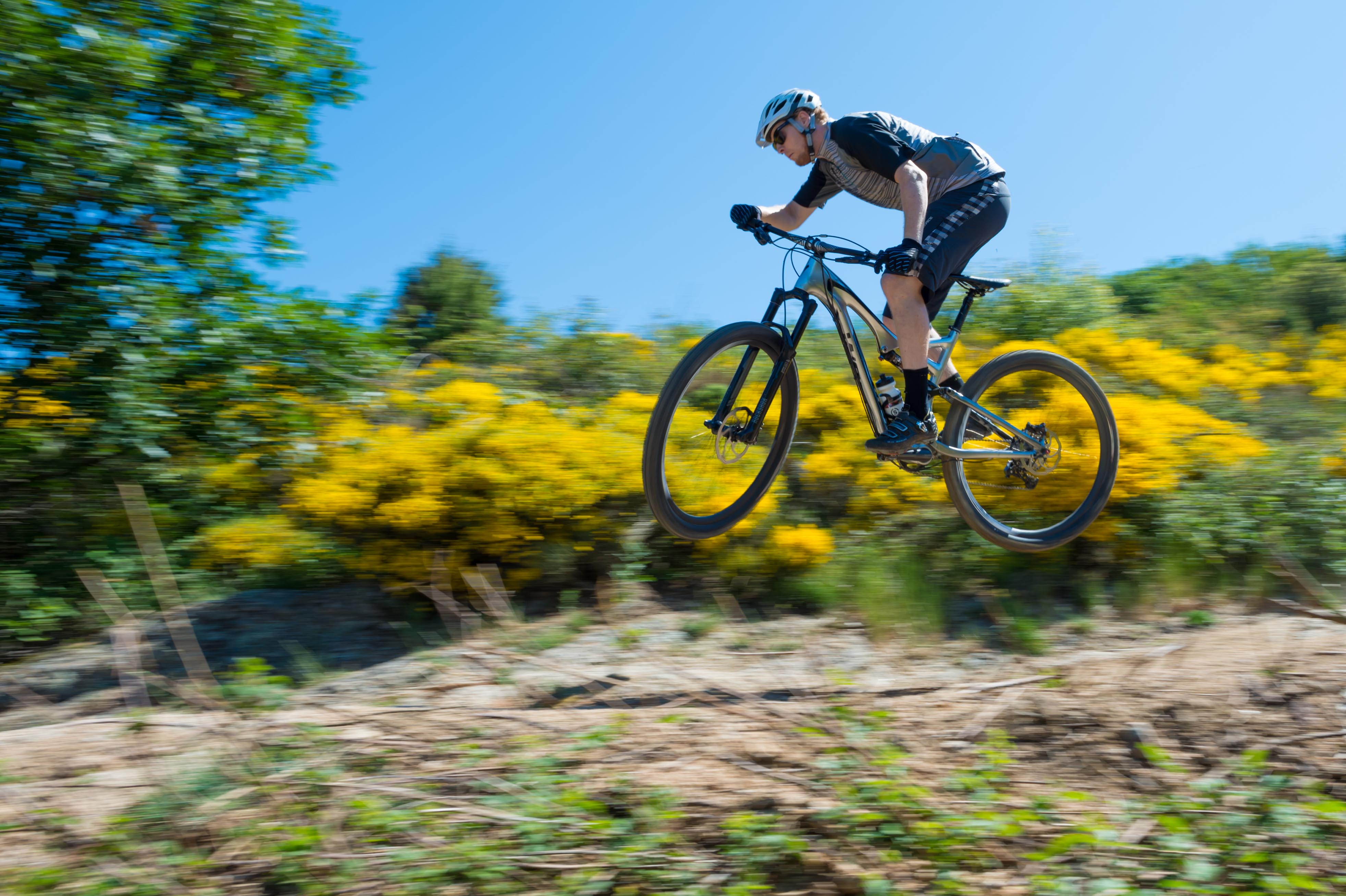 Shredding The 2014 Specialized Stumpjumper Iceman2058