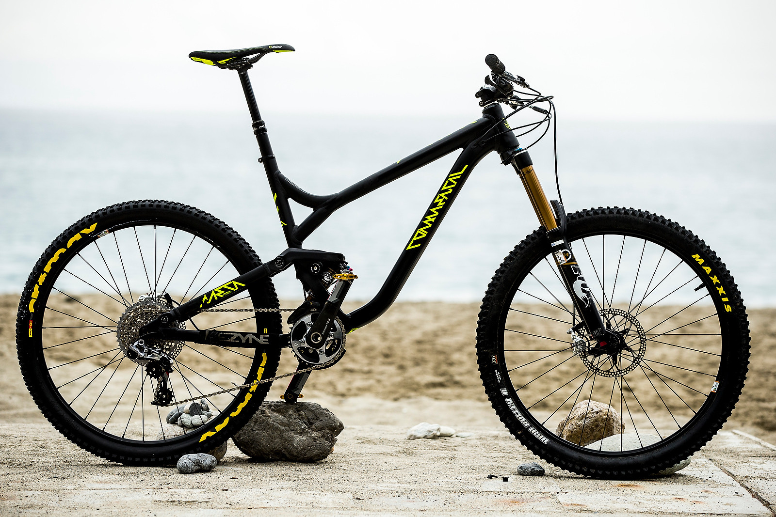 Pro Bike Check: Remy Absalon's Commencal Meta AM 650b - iceman2058 - Mountain Biking Pictures - Vital MTB
