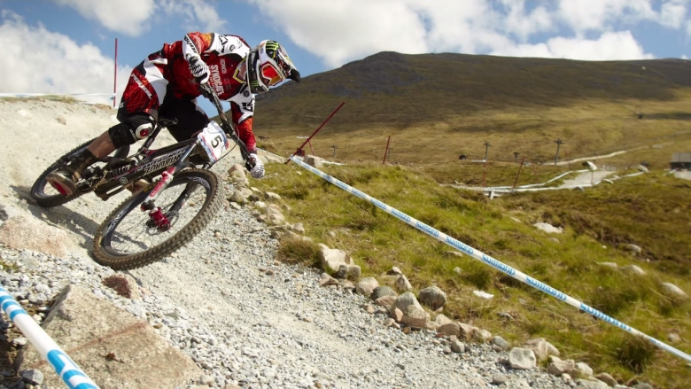 Top 10 Mountain Bike Riders Of All Time – Who Is The Greatest Mountain Biker Ever?