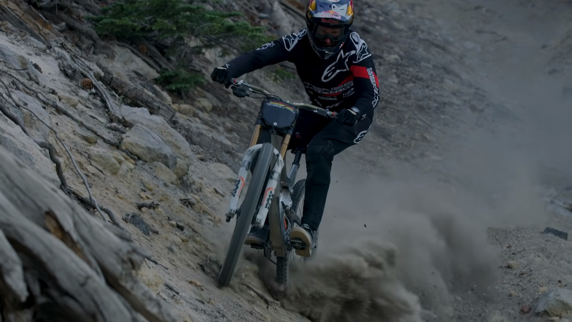 Aaron Gwin Mobs Mammoth in TIMELESS EPISODE 3