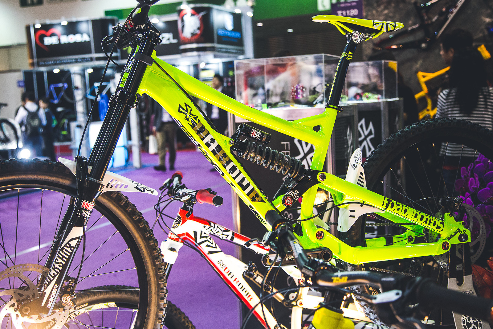 Neon Bomb - LTrumpore - Mountain Biking Pictures - Vital MTB