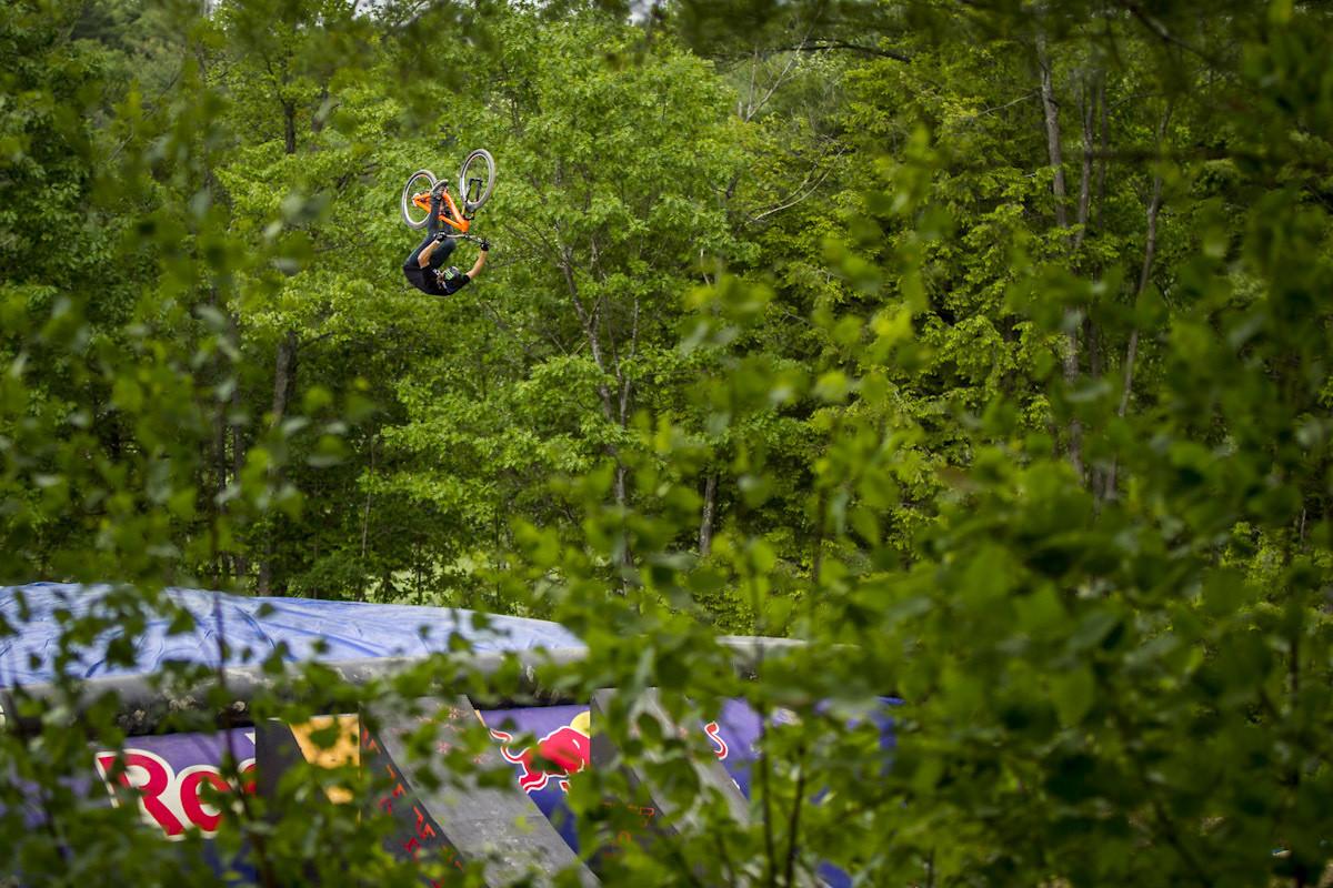 Rheeder - Highland Mountain Bike Park - Mountain Biking Pictures - Vital MTB
