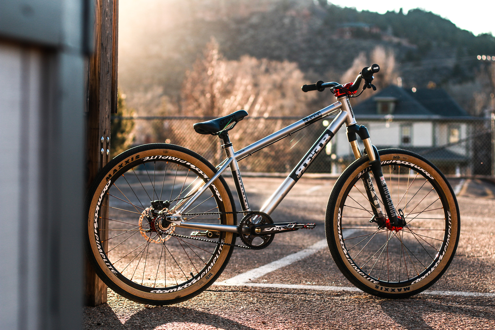 The REEB Cycles Destroyer DJ