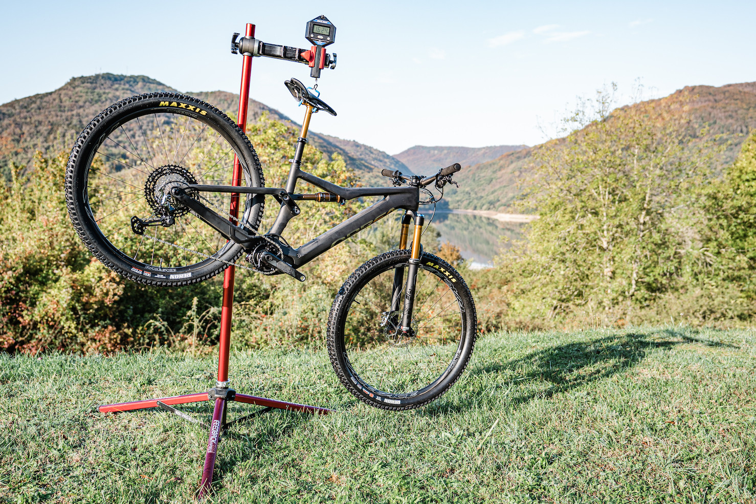 Orbea Rise weighing in at 16.24Kg//35.8-pounds without pedals