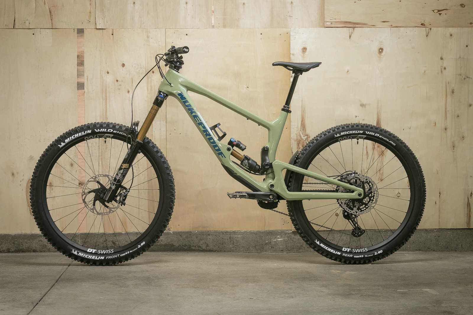 2021 Nukeproof Giga Factory (size large) $5,499