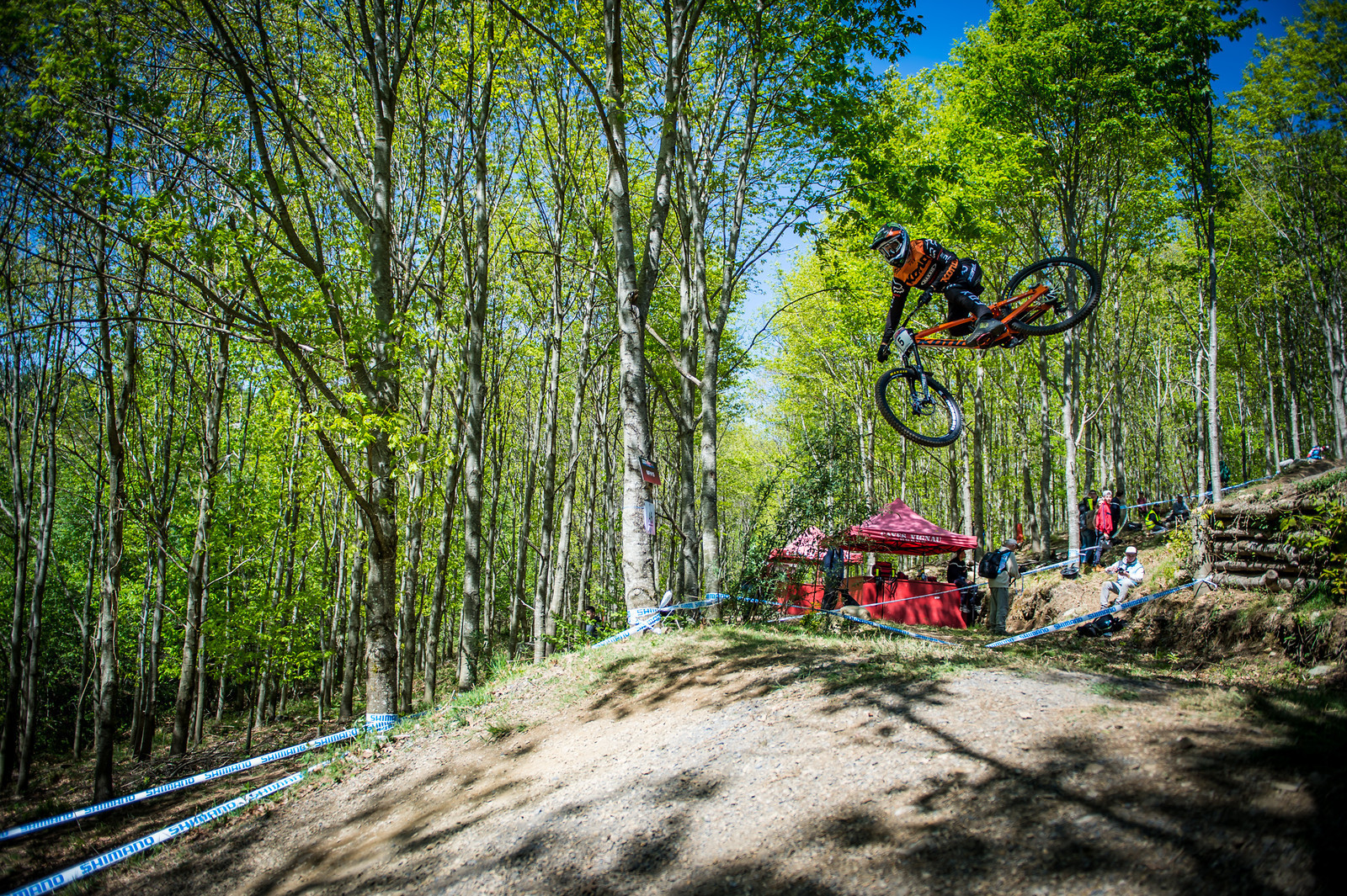 Fearon whipping it out in Lourdes.