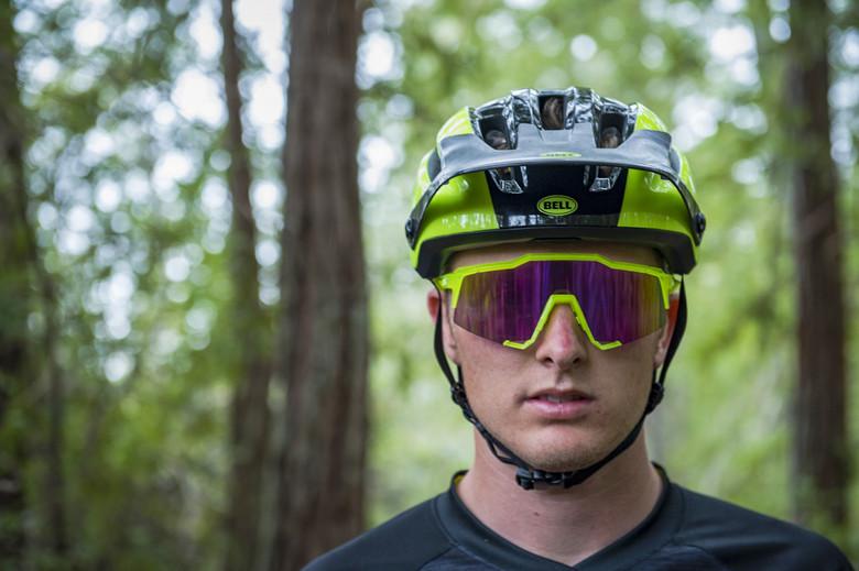 Bell Super Dh Helmet Reviews Comparisons Specs