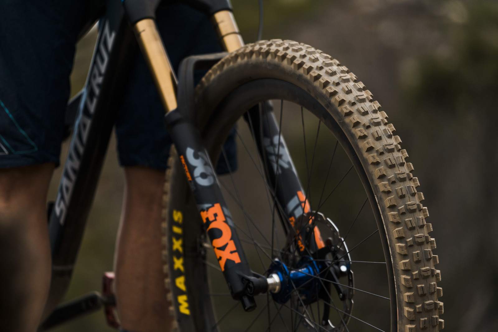 Tubeless Folding 27.5 x 2.6 EXO Maxxis Assegai Tire Wide Trail Black