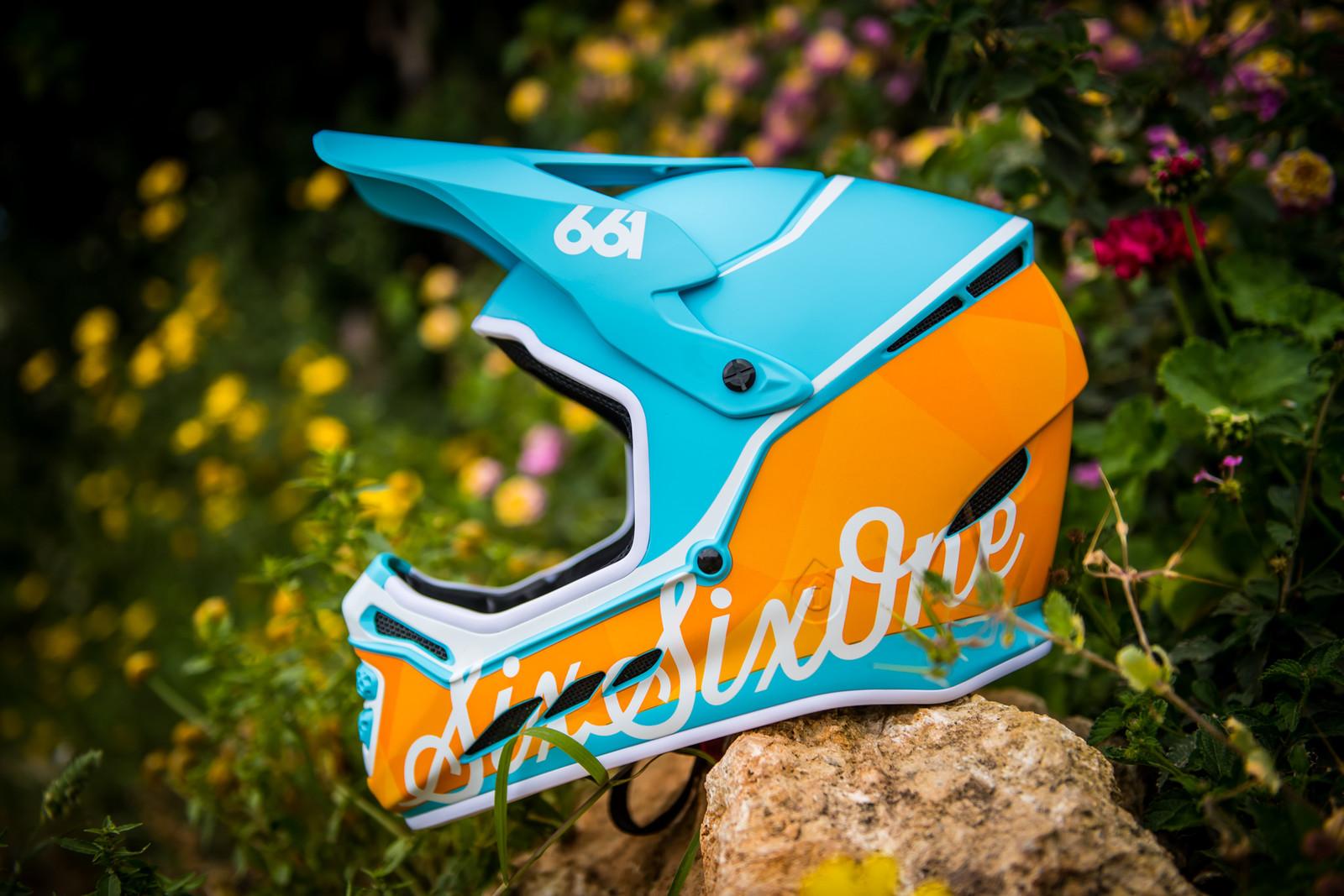 SixSixOne Reset MIPS Full Face Helmet - Reviews, Comparisons, Specs -  Mountain Bike Full Face Helmets - Vital MTB